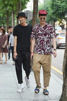 bang tae eun- jo min ho Modern Mens Fashion, Boy Fashion, Fashion Outfits, Men Street, Street Style Women, Street Wear, Stylish Mens Haircuts, Outfits Hombre, Mode Style
