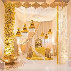 Latest Awesome And Beautiful Marriage Decoration Ideas Wedding season is on, catch the most beautiful marriage decoration as it is the most important part of wedding. Look at Beautiful Marriage Decoration Ideas and try. Wedding Hall Decorations, Marriage Decoration, Backdrop Decorations, Diwali Decorations, Housewarming Decorations, Flowers Decoration, Beautiful Decoration, House Decorations, Ganapati Decoration