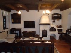 adelaparvu.com despre casa traditionala romaneasca Colibita, proprietar Doru Munteanu, caliman.ro centru sport Home Office Bedroom, Farmhouse Interior, Design Case, Traditional House, Rustic Furniture, Old Houses, My Dream Home, Small Spaces, House Plans