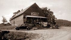 The old Lost Mountain Store in Georgia back in 1940.