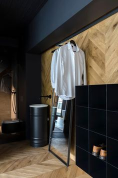 These relaxing bathroom design idea photos will leave you full of inspiration. Masculine Apartment, Masculine Room, Masculine Interior, Home Design, Interior Design, Design Ideas, Relaxing Bathroom, Small Bathroom, Agi Architects