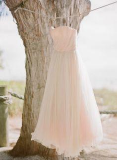 Colour Day Monday: Peach - Mallorca Wedding House| photo credit: Jessica Loren