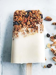 Save this make-ahead breakfast recipe for Yogurt Granola Popsicles.