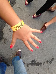 before neil young concert neon pink nail polish