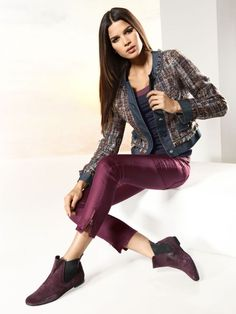 Short blazer, marine shirt and a slim-fit trousers paired with ankle boots