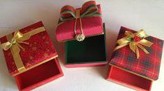 Caixa de Presentes, Newborn tema Natal, feito em madeira pintadas e decoradas como na foto acima.