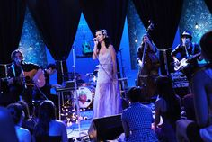 Katy Perry performs on 'MTV Unplugged. Mtv Unplugged, Big Music, Amazing Songs, Beautiful Smile, Katy Perry, The Darkest, Photo Galleries, Concert, My Style