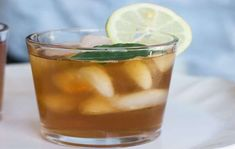 Simple and Delicious Ginger Beer Nous sommes bien partis add rester à are generally maison Iced Tea Maker, Iced Tea Recipes, Drink Recipes, Fun Snacks For Kids, Bowl Of Soup, Ginger Beer, Ham And Cheese, Healthy Alternatives, Cravings