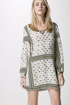 http://www.animale.com.br/br/produto/vestido-seda-lencos-moedas-off/_/A-07.02.4810_2236.ptbr.animale