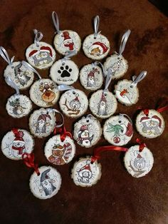 In this DIY tutorial, we will show you how to make Christmas decorations for your home. The video consists of 23 Christmas craft ideas. Christmas Wood Crafts, Christmas Rock, Rustic Christmas, Christmas Projects, Holiday Crafts, Christmas Holidays, Wood Ornaments, Diy Christmas Ornaments, Homemade Christmas