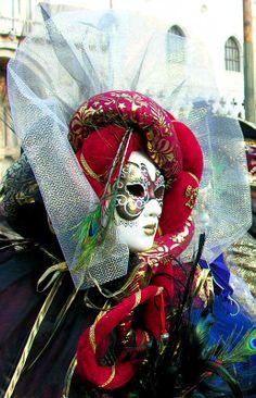 Venice Carnival Photo 2006 Venice Carnival Costumes, Venetian Carnival Masks, Carnival Of Venice, Rio Carnival, Anastasia, Venice Carnivale, Hidden Face, Beautiful Mask, Mardi Gras