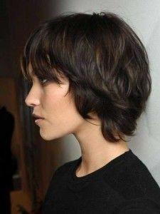Lang Pixie Haarschnitte für wellige braune Haare