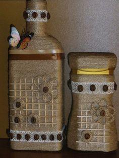 This Pin was discovered by Ayg Empty Wine Bottles, Wine Bottle Art, Diy Bottle, Wine Bottle Crafts, Bottles And Jars, Mason Jar Crafts, Bottle Vase, Plastic Bottles, Glass Bottles