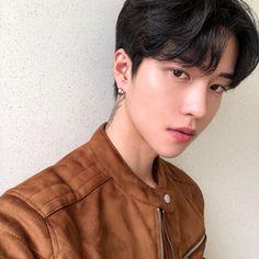 Korean Boys Ulzzang, Ulzzang Boy, Korean Men, Cute Asian Guys, Asian Boys, Boy Fashion, Cute Boys, Handsome, Photo And Video