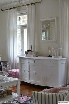 lipasto, maalaisromanttinen sisustus, peili