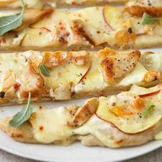 Recette : Tarte flambée au poulet, pomme et fromage - Recette au fromage