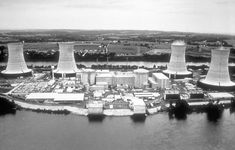 Three Mile Island Power Plant, Dauphin County, Pennsylvania - site of a partial nuclear meltdown on 28 March 1979 Nuclear Energy, Nuclear Power, Renewable Energy News, Pennsylvania History, Harrisburg Pennsylvania, Too Close For Comfort, Today In History, Local History, Ancient History