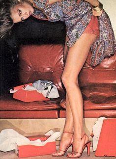 ULTIMATE FASHIONISTA'S Shot by Chris Von Wangenheim for Vogue, March 1977 repin BellaDonna