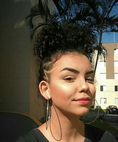 Undercut Hairstyles Women, Undercut Long Hair, Curled Hairstyles, Cabello Afro Natural, Natural Hair Styles, Short Hair Styles, Shaved Hair Designs, Tapered Hair, Hair Addiction