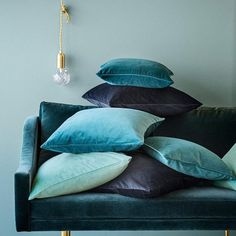 Velvet Fabric creates perfect home decor items for accents to a sofa! The blue Velvet Pillows sure set the mood! Velvet Lounge, Velvet Cushions, Blue Cushions, Velvet Duvet, Blue Throw Pillows, Sofa Throw, Throw Cushions, Accent Pillows, Home Theater