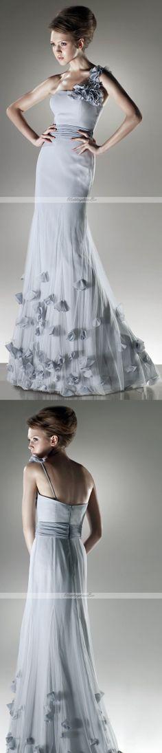 Beautyful one shoulder trumpet dress