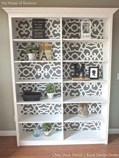Easy DIY Home Decor Project - Stenciled Kitchen Walls - Makeover your kitchen de. - Easy DIY Home Decor Project – Stenciled Kitchen Walls – Makeover your kitchen decor with cute al - Diy Home Decor For Apartments, Diy Home Decor Projects, Easy Home Decor, Cheap Home Decor, Decor Ideas, Decorating Ideas, Basement Decorating, Diy Ideas, Diy Creative Ideas