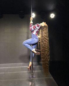 Very Long Hair, Layered Cuts, Female Images, Big Hair, Hair Lengths, Healthy Hair, Hair Goals, Hair Inspiration, Long Hair Styles
