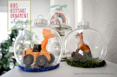 DIY Kids Keepsake Ornament - what a fun holiday project! #christmas