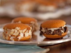Ellie's petite Mini Ice Cream Sandwiches are perfect one-bite desserts.
