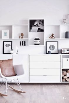 A lot of amazing stuff from Ikea, even more amazing with a twist.*A real Nordic look with the Ikea Karlstad couch in sand color, nice!**A lovely chilling space with the Ikea Karlstad, Interior Styling, Interior Decorating, Ikea Interior, Interior Ideas, Ikea Eket, Ikea Hack, Scandinavian Shelves, Scandinavian Interiors, Shelving Systems