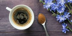 Si vous êtes contraint de vous abstenir de caféine ou de théine ou que vous souhaitez vous en désaccoutumer, il est possible de se tourner vers de délicieuses alternatives. Elles peuvent tout autant vous donner un coup de fouet au cours de la journée.