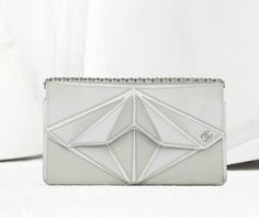 Chanel shell-inspired evening clutch in iridescent calfskin (Chanel Spring-Summer Chanel Purse, Chanel Handbags, Style Pantry, Chanel Spring, Iridescent, Zip Around Wallet, Shells, Spring Summer, Purses