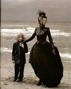 Edith, 35, resides on the coast and raises her daughter alongside a tribe of foragers