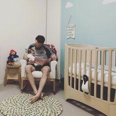 You and bubs will both sleep soundly with the Oricom Monitor + Babysense safely in place 😴  _ #babymonitor #videomonitor #oricommonitor #oricombaby #babysense #naptime #sleepingbaby #soundasleep #nursery #babysafety #birthdaysale #baby #babylove #babystyle #babyshop #babylife #babyvillage #babyvillagestore #ittakesavillage #leander 📷 @british_dad_in_melb | @oricombabycare