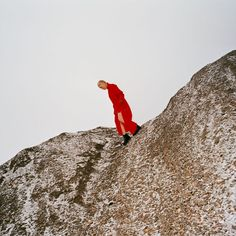 Buy Reward by Cate Le Bon at Mighty Ape NZ. It was on a mountainside in Cumbria that the first whispers of Cate Le Bon's fifth studio album poked their buds above the earth. The Flaming Lips, Berghain, Bon Iver, Indie Pop, Indie Music, Cumbria, Josh Klinghoffer, Single Sein, Hip Hop