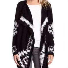 "BNWT✨Romeo & Juliet Couture Draped Wrap Sweater!! Details: - Open front - Long sleeves - Draped detail - Knit print throughout - Approx. 31"" length - Made in USA Fiber Content: 100% acrylic Romeo & Juliet Couture Jackets & Coats"