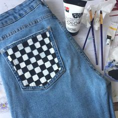∗∘∙� @uhdextry ↜∙∘∗ Diy Clothes Paint, Painted Clothes, Clothes Crafts, Painted Shorts, Painted Jeans, Diy Clothing, Custom Clothes, Trendy Outfits, Cute Outfits
