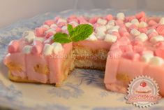 Diplomatapuding Cheesecake, Pudding, Food, Dessert Ideas, Cheesecakes, Custard Pudding, Essen, Puddings, Meals
