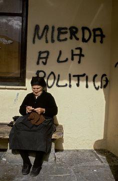 Mierda a la Política, 1995 Spain.  By Gloria Rodríguez