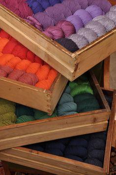 Farben in Stricklaune Shops, Colour, Happy, Threading, Breien, Color, Tents, Retail, Ser Feliz