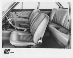 124 Coupe sport ac interieur 1967 Automotive Upholstery, Classic Italian, Vroom Vroom, Car Seats, Automobile, Sports, Vintage, Classic Cars, Vintage Italian