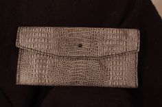Gray pressed leather clutch. Leather Clutch, Continental Wallet, Gray, Bags, Fashion, Ash, Handbags, Moda, La Mode