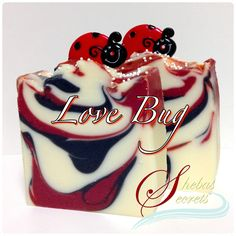 Love Bug Handmade with Organic Coconut Milk by Sheba's Secrets. Cruelty, phthalates and palm oil free.  A flirtatious fragrance! An orange bouquet with the nectar of juicy peaches and soft musk. Notes of orange, peach, apricot, gardenia, jasmine, and dry musk.