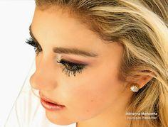Build and extend your lashes to the fullest!!   3D Fiber Lash Mascara: Moodstruck 3D Fiber Lashes