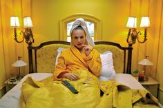 Natalie Portman in 'The Darjeeling Limited' directed by Wes Anderson Hotel Chevalier a short film Wes Anderson Style, Wes Anderson Films, Wes Anderson Hotel, Wes Anderson Characters, Moonrise Kingdom, Viaje A Darjeeling, The Darjeeling Limited, La Famille Tenenbaum, Gran Hotel Budapest