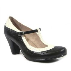 Chelsea Crew Black & White Marcy Pump