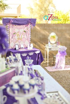 http://atozebracelebrations.com/2013/05/sofia-the-first-birthday-party-2.html