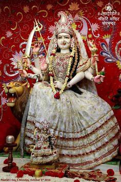 Shiva Parvati Images, Durga Images, Lakshmi Images, Radha Krishna Images, Yashoda Krishna, Krishna Hindu, Hindu Deities, Iskcon Krishna, Maa Durga Photo