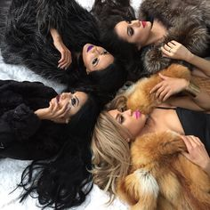 """Luxury Hair Extensions&Styling Tools ✨Black Friday Sale- use code """"hair10"""" to save 10% off your hair extension setEmail: info@bellamihair.com"""