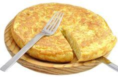 Tortilla de patatas o tortilla española - Potato omelette